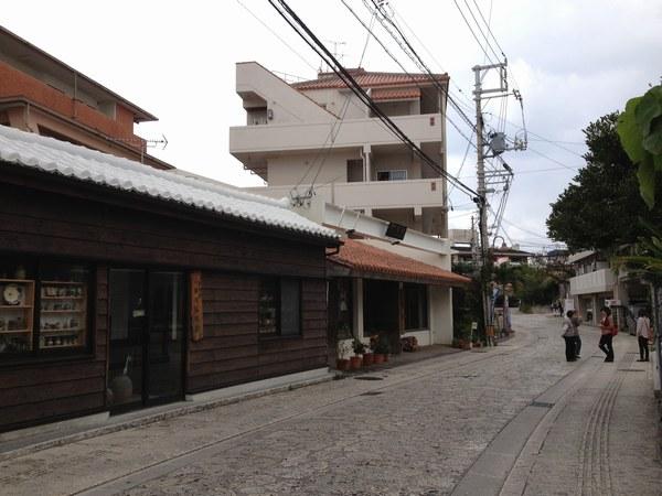 5壺屋やちむん通り 風景6002.jpg