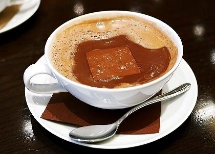 リンツ・ショコラ・カフェ銀座店 ホットチョコレート ダーク