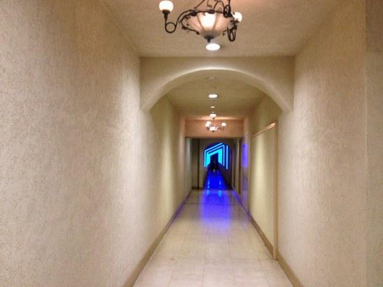 3ホテル 廊下 550.jpg