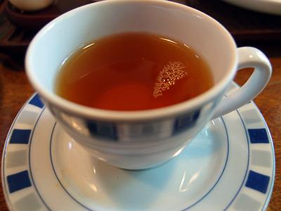 紅茶はカップで