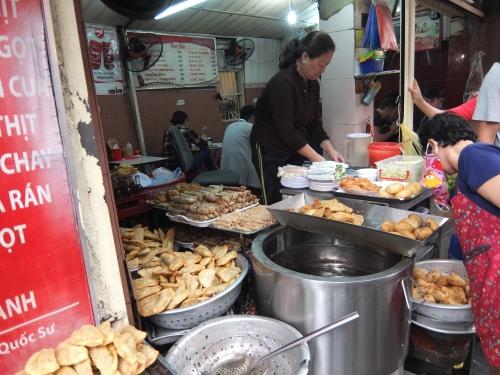 ハノイ 教会 ランチ 美味しい ベトナム