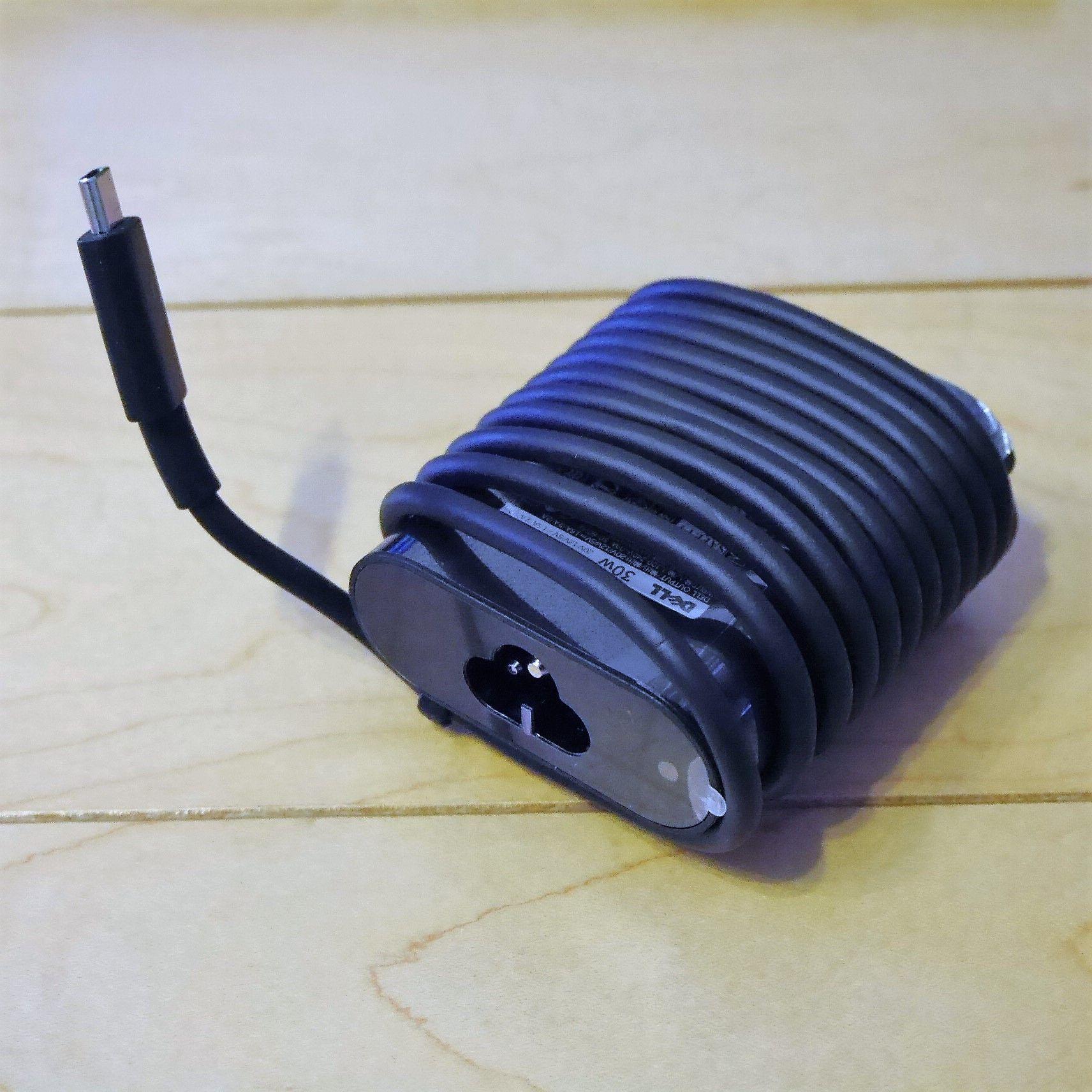 Dell_XPS_充電アダプター