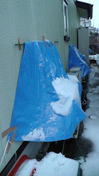 室外機にかけた雪よけの効果