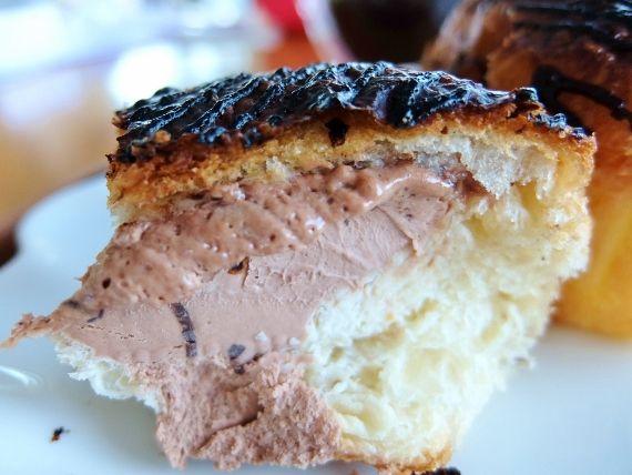 コストコで買った クロワッサンシュー(チョコ&プラリネ) 1298円を冷凍してみたら美味しかった 検証 レポ ブログ