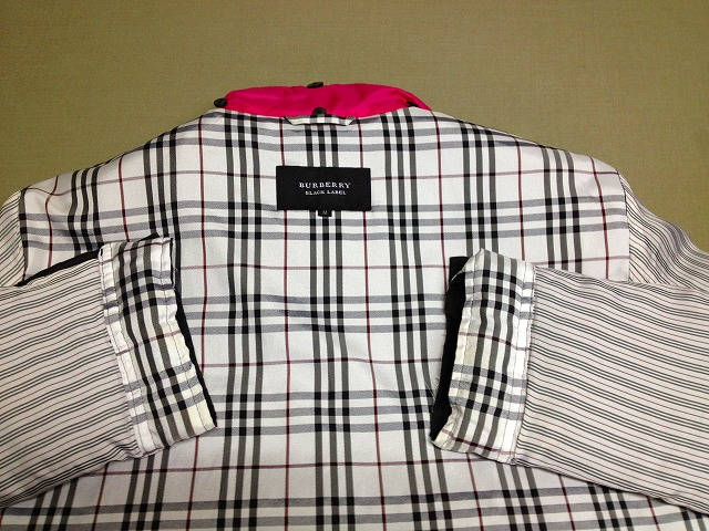 バーバリー・ピンク 衿・袖の内側 (2)