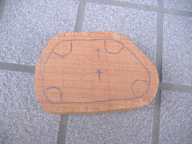台座のデザイン