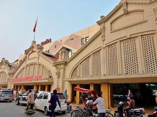 ハノイ 旧市街 町並み 電気自動車 ドンスアン