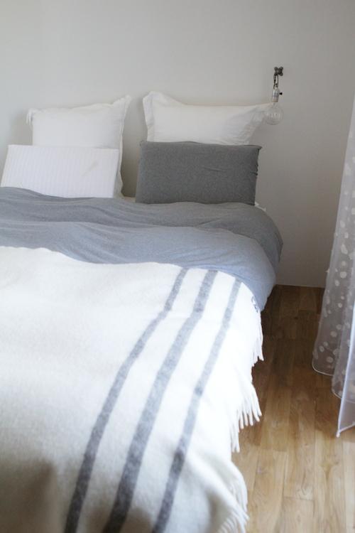 ベッドルーム151220その2.JPG