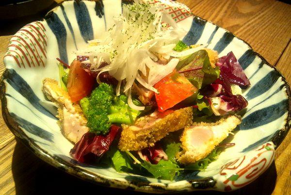 -食家 螢-鰹のレアカツサラダ