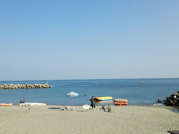 4ホテルのビーチ景色600.jpg
