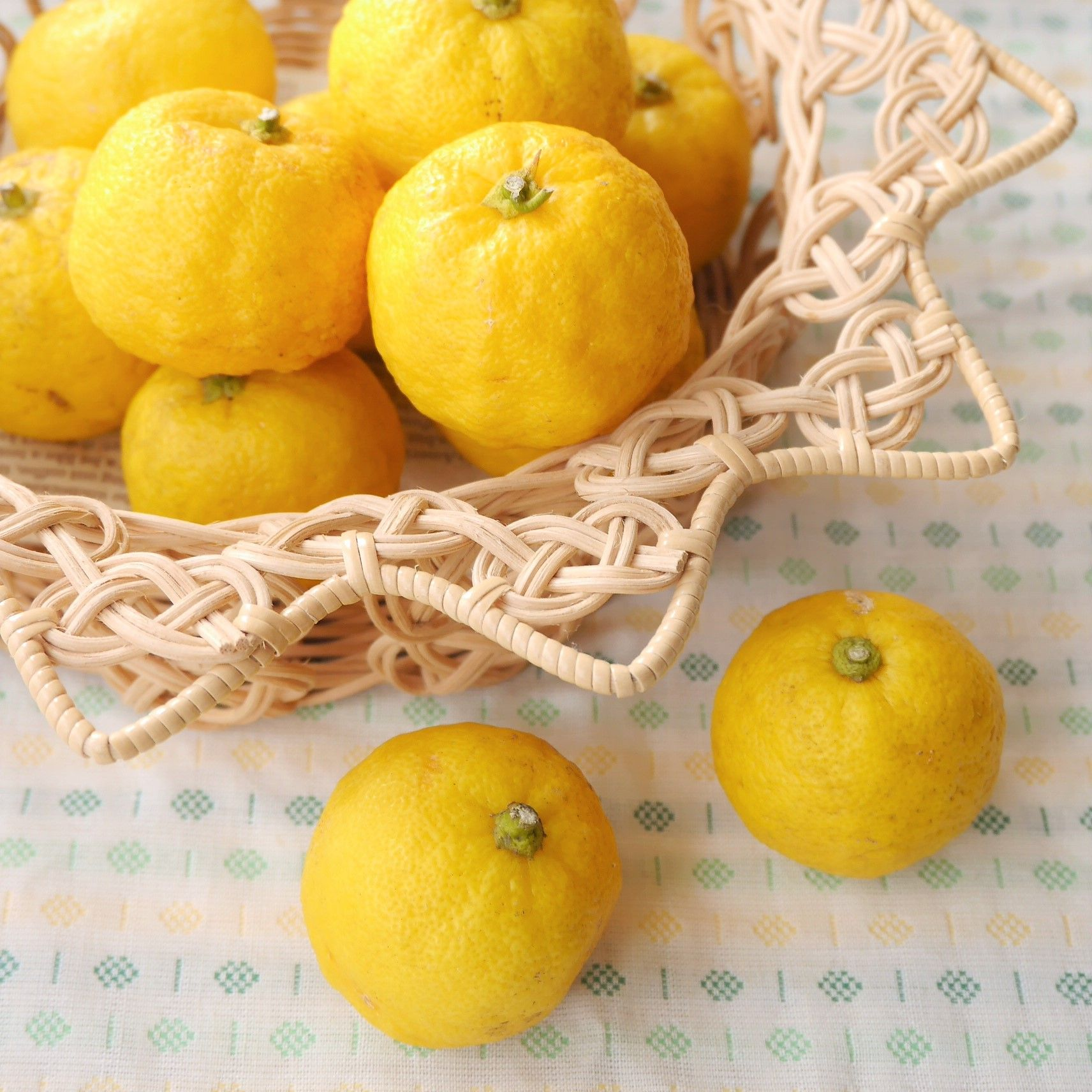 かごいっぱいの柚子