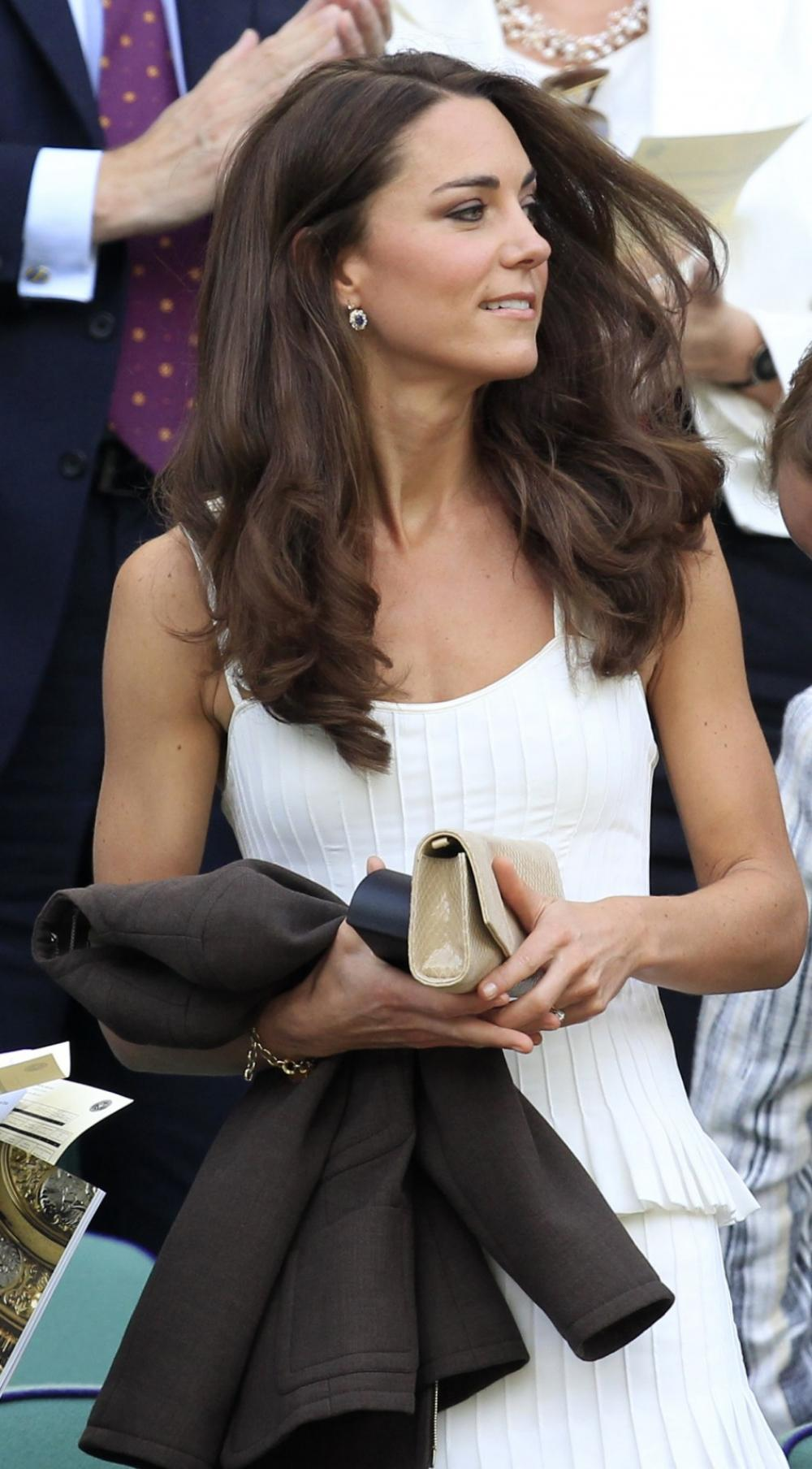 120297-britains-catherine-duchess-of-cambridge-arrives-on-centre-court-for-th.jpg