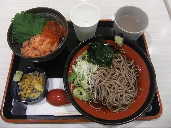 吉野家@アリオ西新井の海鮮親子丼とそばセット1