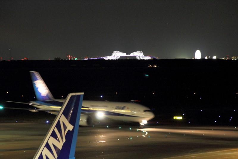 羽田空港_006ゲー羽田空港とゲートブリッジ.jpg
