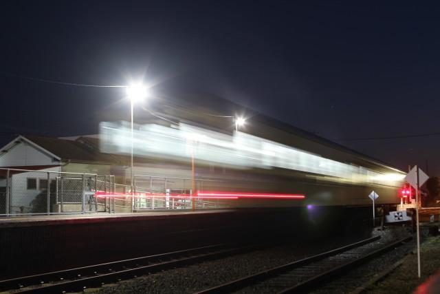 夜景の ひたちなか.港線 開業99周年を 終える3