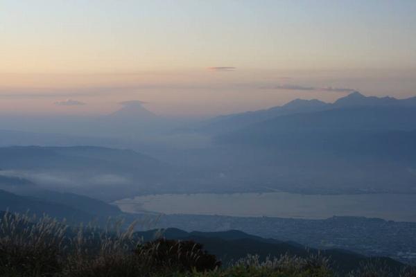 高ボッチから諏訪湖と富士山