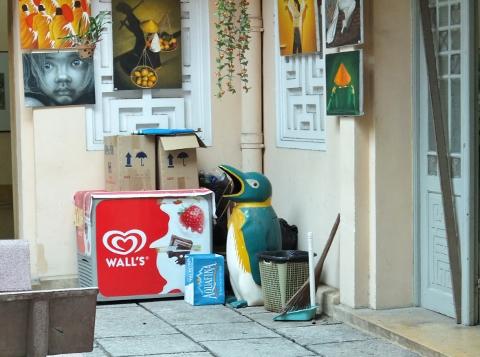 ベトナム 歴史博物館 ゴミ箱