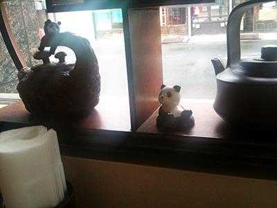 店内にはパンダが多数