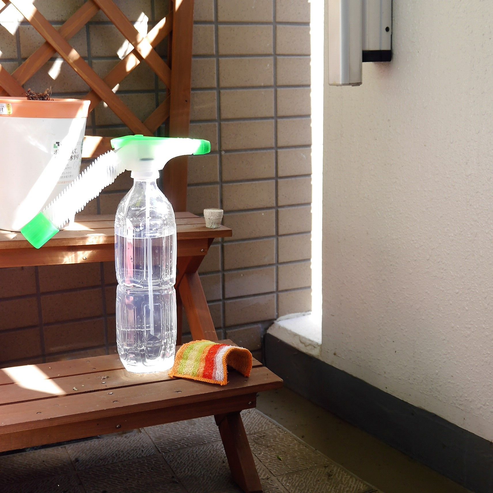ペットボトル用の加圧式スプレーノズル