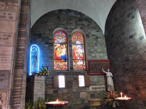 聖マリア教会 ステンドグラス