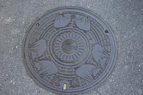 うるま市マンホール.jpg