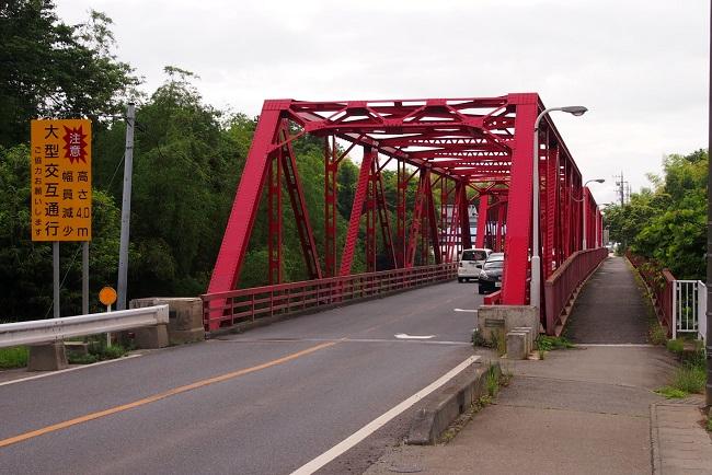 2.県道58号と滝下橋.JPG