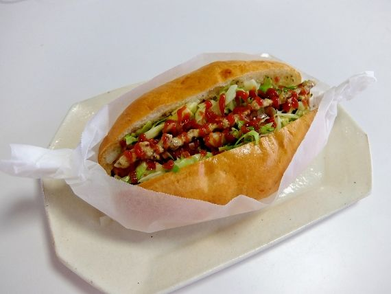 手捏ね 手作り ホットドッグ パン型 コストコ カナディアンソーセージ