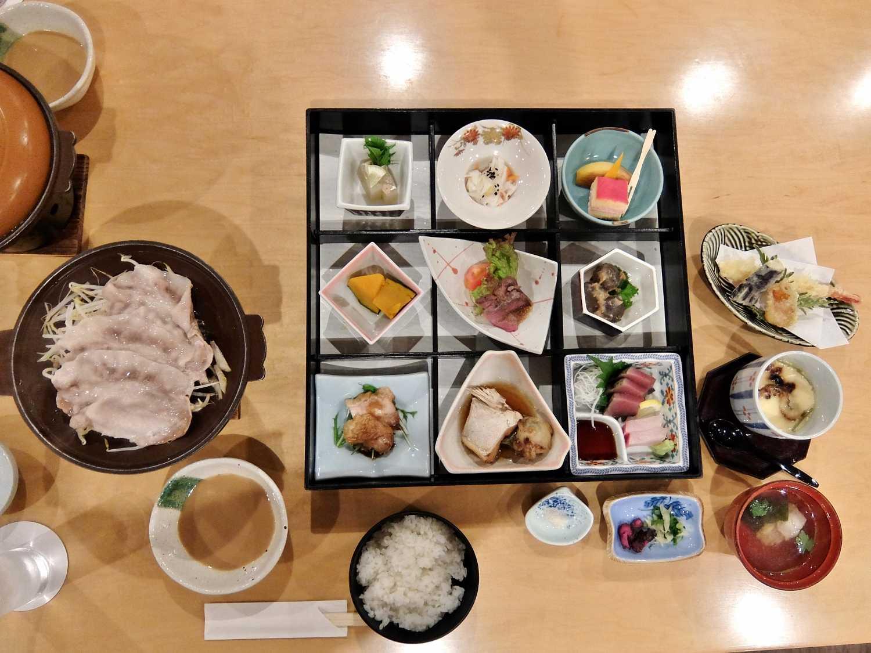 国民宿舎 湯来ロッジ 広島 こんにゃく 御膳 夕食