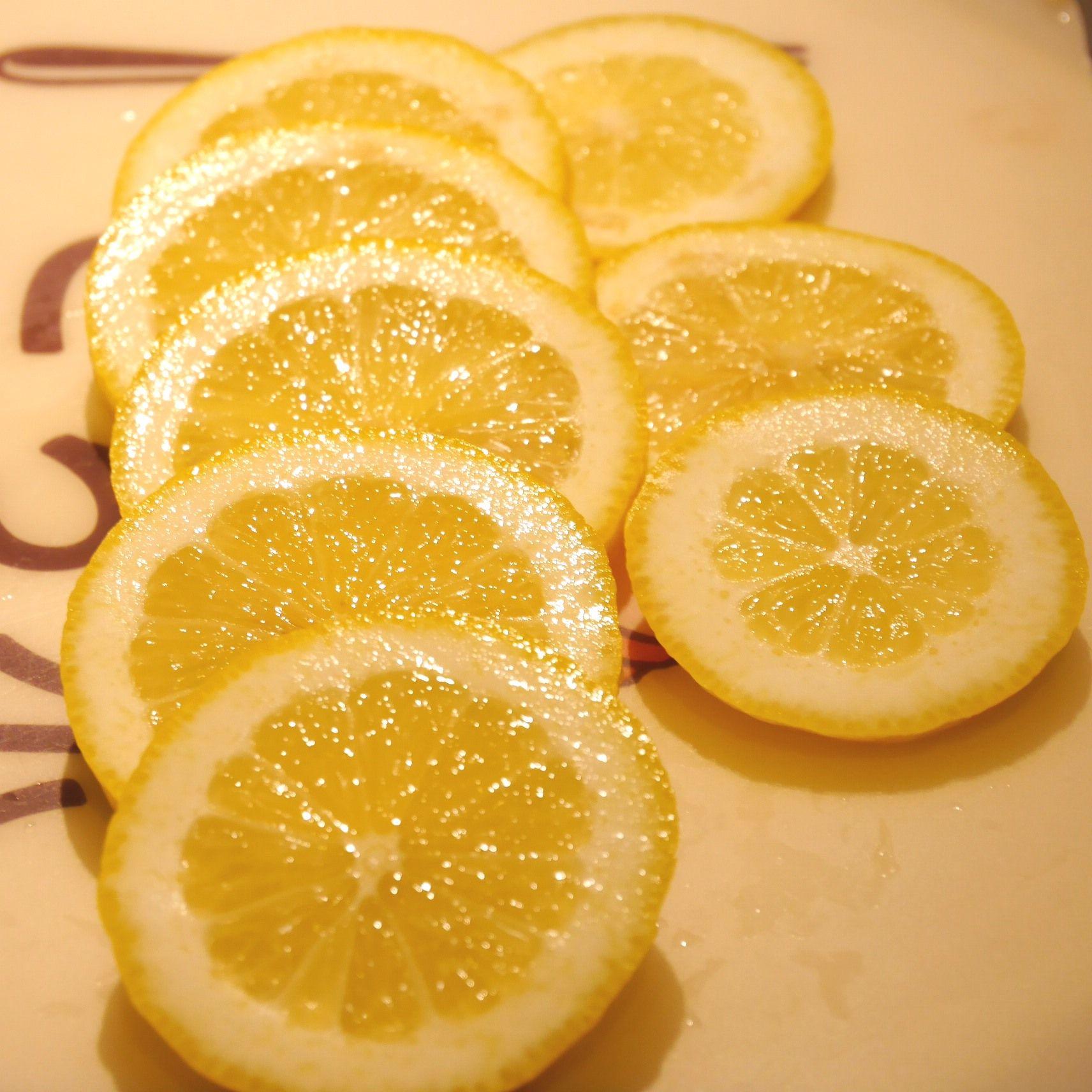 スモークサーモンのレモンマリネ_レモン断面