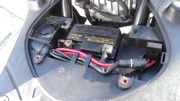 JOGにはYUASAのYTX5L-BSが使われていた
