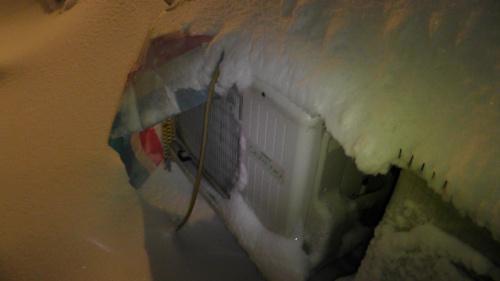 室外機の雪対策