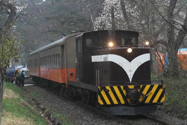 津軽鉄道 雨の ストーブ列車