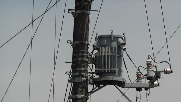 トランス 電柱