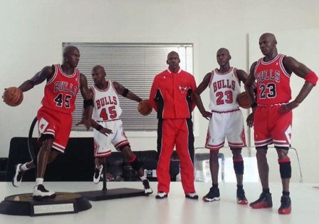 michael-jordan-masterpiece-figures-by-enterbay-1[1].jpg