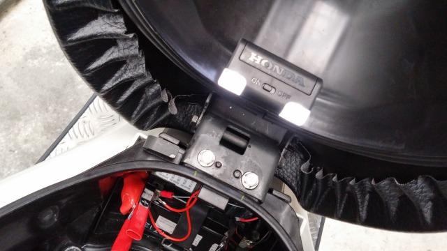 PCX バッテリー 充電 ソーラーチャージャー どこでもライト