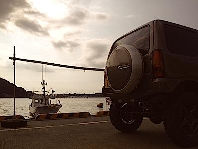 夕暮れの戸田港