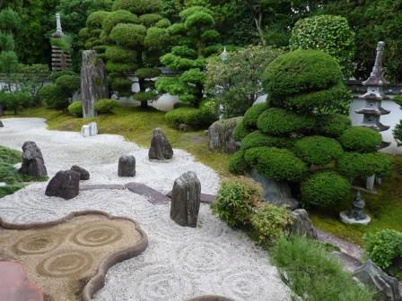 妙心寺霊雲院庭園.jpg