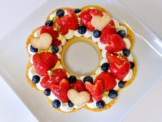 苺のリースタルト いちご タルト strawberry tart wreath バレンタイン ハート