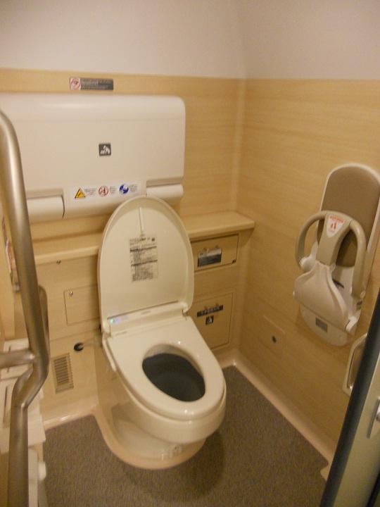 H5系女性用トイレ内部