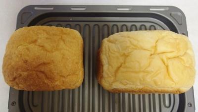 ホームベーカリーSD-BH1000-Y MKと焼いたパン上.jpg