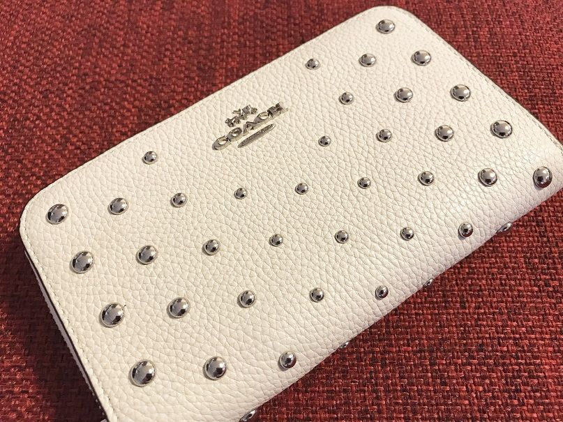 coach MEDIUM zip around wallet in polished pebble leather with ombre rivets STYLE NO. 57538