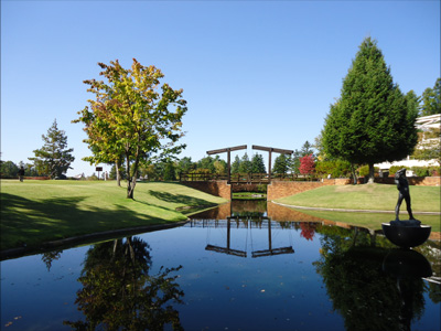 蓼科湖の彫刻公園.jpg