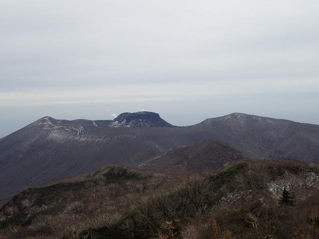 PB022534 12:12樽前山を.jpg