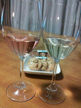 2 glasses behind cookies.JPG