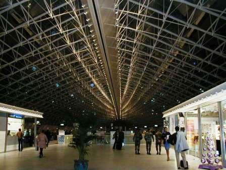 PB250162(空港).jpg