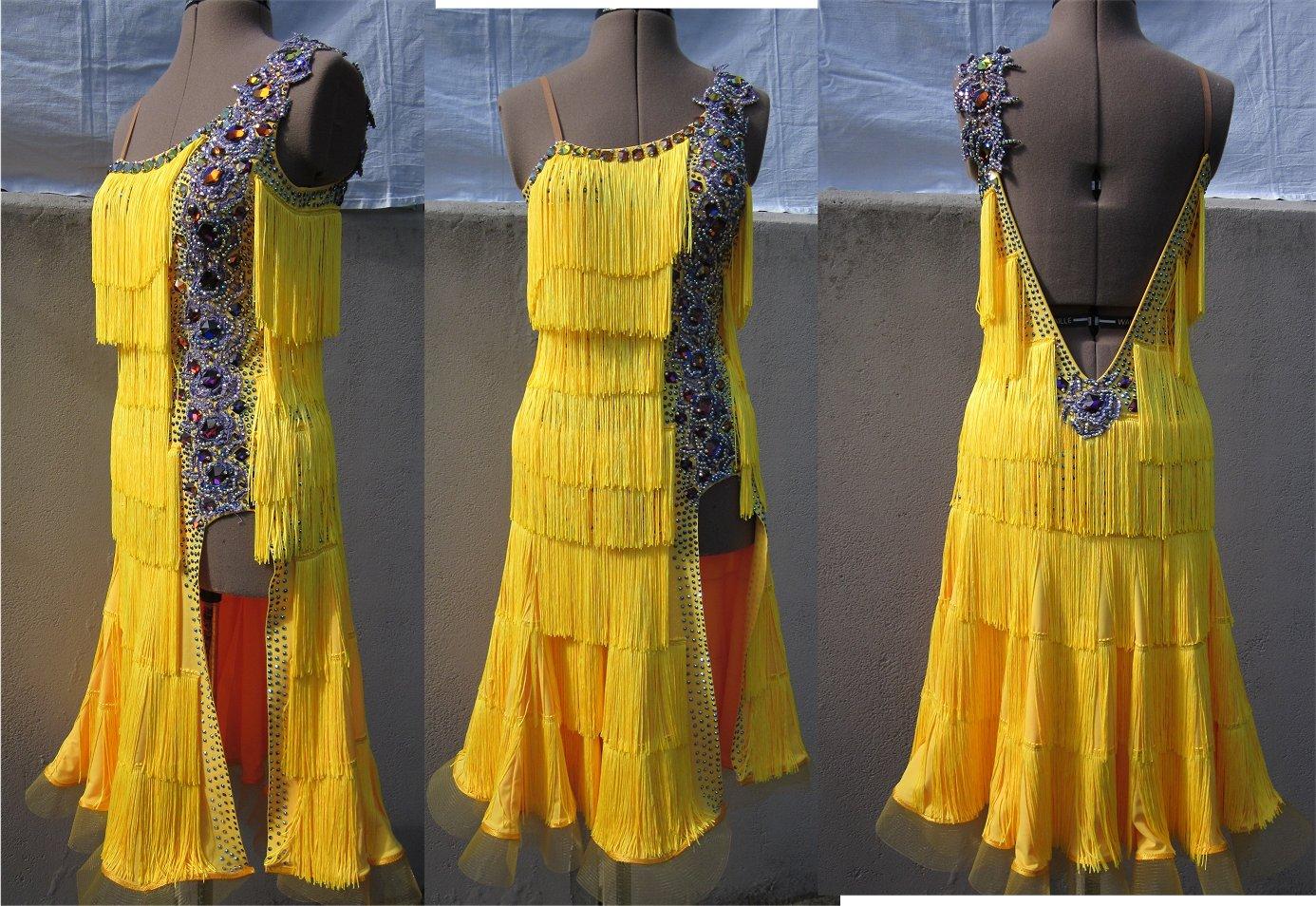 イエローのフリンジのラテンドレス