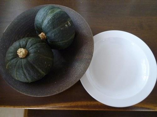 4食パン皿2500.jpg