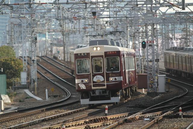 阪急 快速特急 京とれいん2