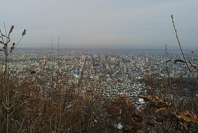 KIMG2332 13:00夕張岳、芦別岳、美唄山が - コピー.jpg