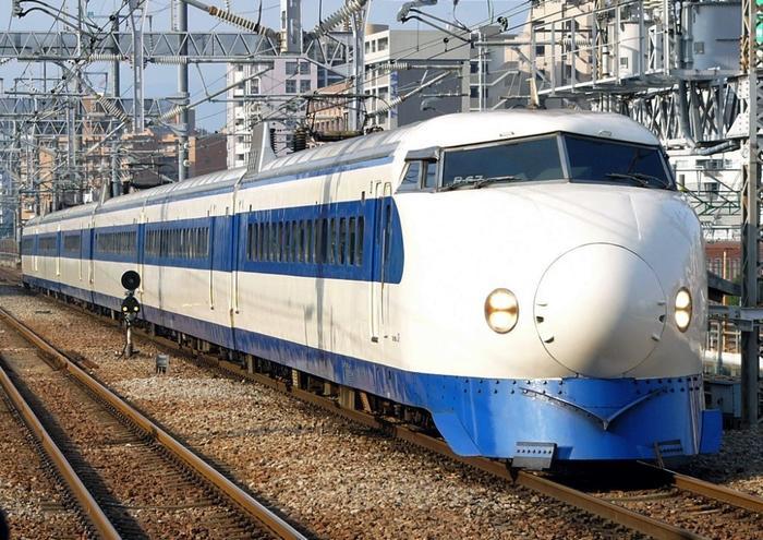 東京-三島の新幹線通勤実践者が秘密にしておきた …